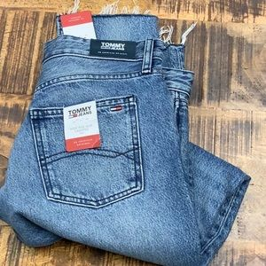 90s Style! Tommy High Rise Slim Izzy Crop Fray Mom